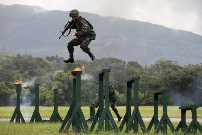 Khám phá khả năng quân sự của Trung Quốc ở Hong Kong - Ảnh 6.