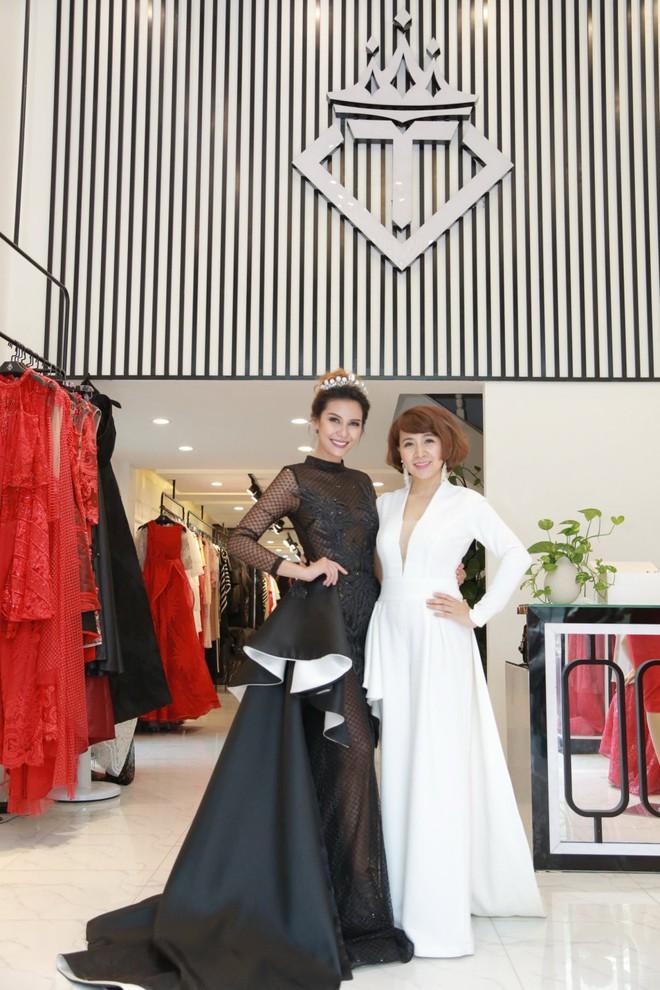 Trương Bá Chi đẹp kiêu sa khi diện trang phục của nhà thiết kế Tuyết Lê - ảnh 9