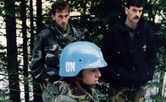 """QĐ Hà Lan bị """"vạch mặt"""": Vai trò đáng sợ trong vụ diệt chủng khủng khiếp nhất Châu Âu?"""