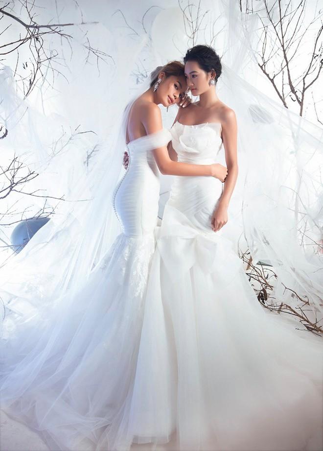 Á quân The Face Quỳnh Anh và Thu Hiền đọ sắc khi mặc váy cưới - Ảnh 1.