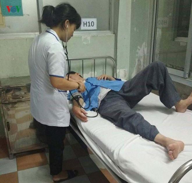 Nhân viên điều dưỡng tố bị bác sĩ đánh tại nơi làm việc - Ảnh 1.