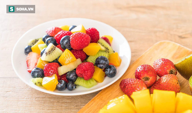 Ai cũng khuyên nên ăn trái cây: Sau khi ăn, chúng thực sự làm thay đổi cơ thể ra sao? - ảnh 1