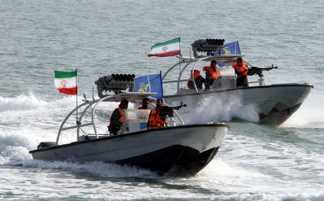 """Mỹ sẵn sàng quét sạch cơ sở hạt nhân, xóa sổ hải quân để Iran """"ngưng làm trò hề"""" ở Hormuz?"""