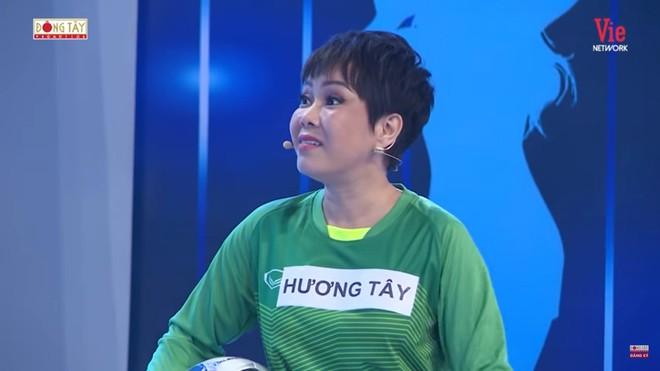 Việt Hương hài hước: Tôi đã nói với Trấn Thành rồi, bây giờ tôi không làm nghệ sĩ nữa - Ảnh 1.