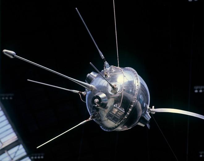 Nôn nóng hạ bệ Mỹ, Liên Xô phạm sai lầm chí tử: Phút tự vẫn cay đắng của Luna-15 - Ảnh 2.