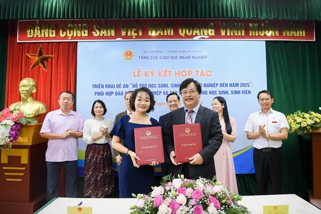 Tập đoàn Trung Nguyên Legend cùng Bộ LĐ-TB&XH ký kết thỏa thuận hỗ trợ khởi nghiệp quốc gia - Ảnh 1.
