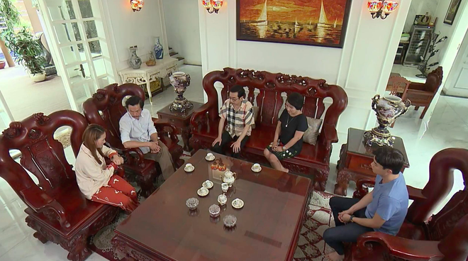 Nghệ sĩ Ngân Quỳnh tiết lộ cảnh quay xúc động nhất Về Nhà Đi Con: 'Tôi chạy theo xe taxi mà òa khóc' - ảnh 3
