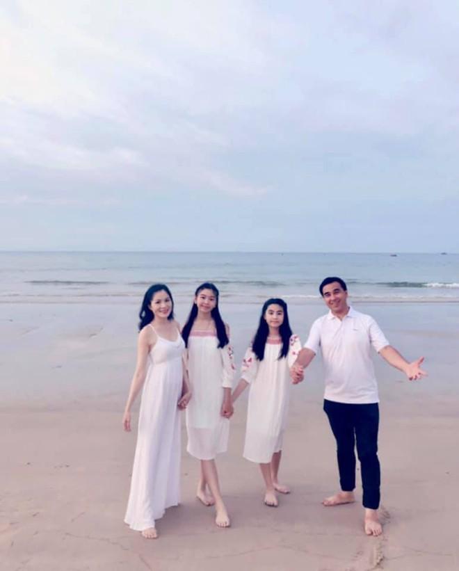 Gia đình Quyền Linh khoe ảnh đi du lịch nhưng con gái lớn Lọ Lem mới là nhân vật gây chú ý với ngoại hình xinh như hot girl - Ảnh 7.
