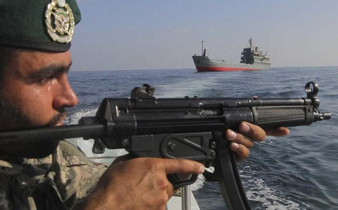 Không phải hải quân, Iran tưởng đây là vũ khí lợi hại nhất chống Mỹ nhưng hóa ra vô dụng