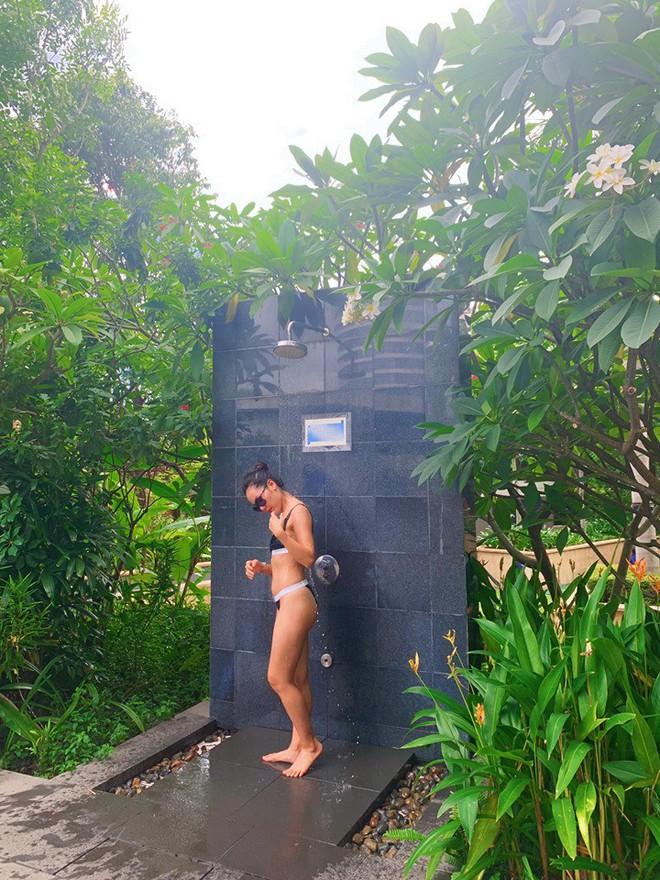Liên tục khoe ảnh diện bikini gợi cảm, Phương Linh: Về quê vali nặng 35 kg chứa toàn bikini - Ảnh 4.