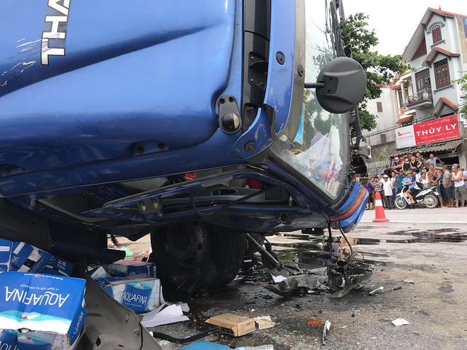Nhân chứng sợ hãi kể lại giây phút xe tải lật nghiêng, đè 5 người tử vong ở Hải Dương - Ảnh 3.