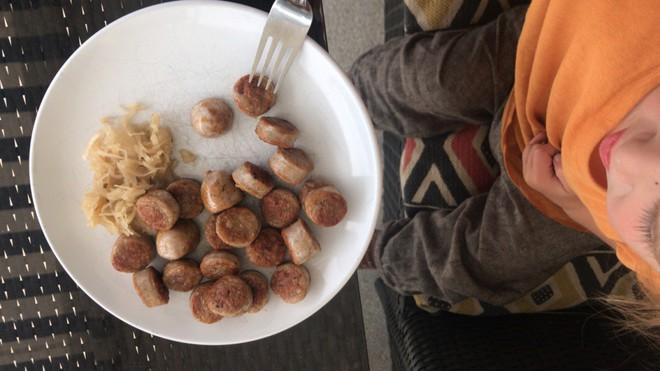 Câu chuyện ăn uống kỳ lạ: Gia đình 3 người đều ăn thịt sống, không ăn rau củ quả - Ảnh 8.