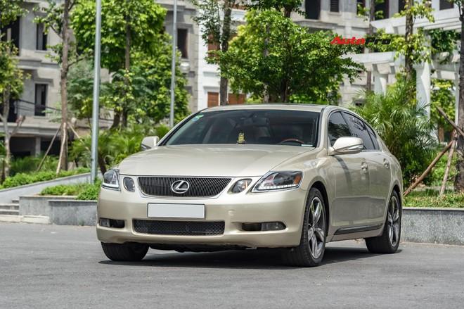 Qua thời đỉnh cao, Lexus GS 350 bán lại chỉ hơn 700 triệu đồng - Ảnh 10.