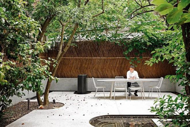 Không phải biệt thự tráng lệ, người phụ nữ sinh ra trong gia đình giàu có bậc nhất Thượng Hải lại ở trong ngôi nhà vườn khoáng đạt giữa thiên nhiên - Ảnh 14.