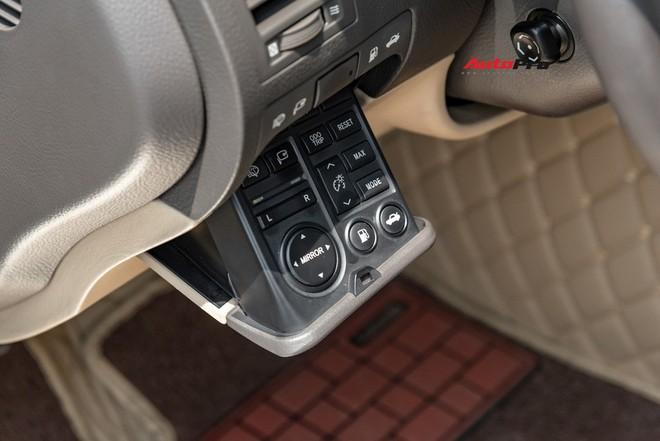 Qua thời đỉnh cao, Lexus GS 350 bán lại chỉ hơn 700 triệu đồng - Ảnh 6.