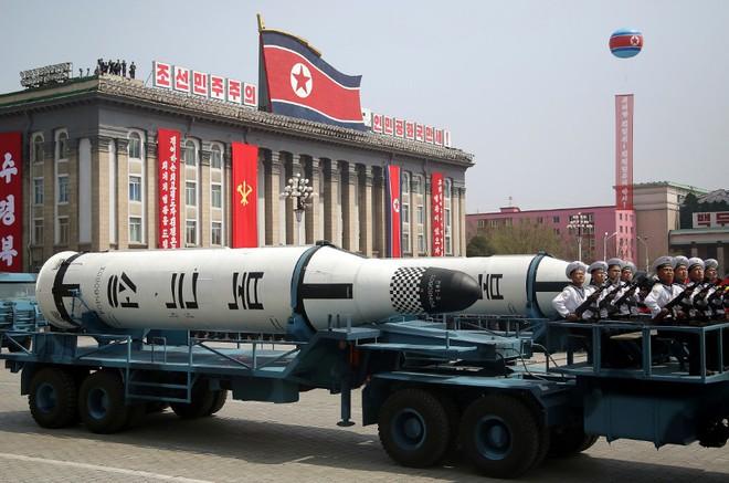 IRBM và SLBM: Hai nắm đấm thép hạt nhân của Triều Tiên khiến Mỹ sốt vó chuẩn bị đàm phán? - Ảnh 4.