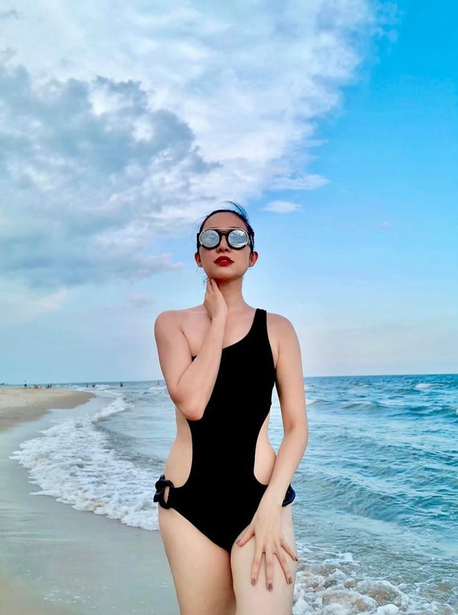 Diva Hồng Nhung và diễn viên múa Linh Nga diện bikini gợi cảm - Ảnh 4.