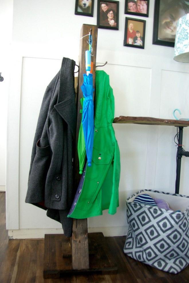 Nếu sống trong nhà chật, bạn hãy nghiên cứu hai mẫu giá treo quần áo này để giúp không gian gọn gàng hơn - Ảnh 3.