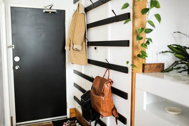 Nếu sống trong nhà chật, bạn hãy nghiên cứu hai mẫu giá treo quần áo này để giúp không gian gọn gàng hơn - Ảnh 4.