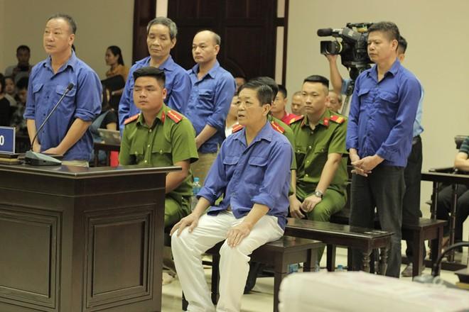 Sáng nay, tuyên án ông trùm bảo kê chợ Long Biên Hưng kính và đồng phạm - Ảnh 1.
