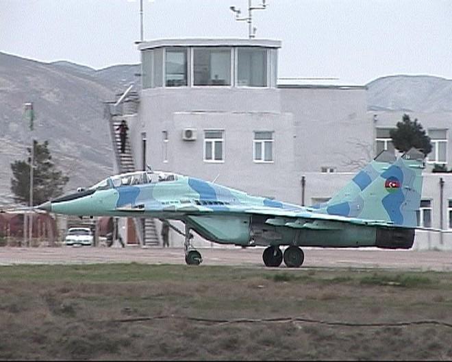 Tiêm kích MiG-29 Azerbaijan rơi xuống biển Caspian - Khẩn cấp tìm kiếm phi công - Ảnh 2.