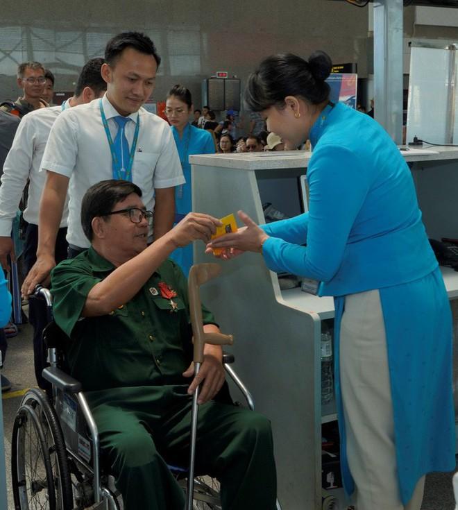 Hành trình đặc biệt tới Hà Nội của cựu tù Côn Đảo và thương binh chiến trường Campuchia - Ảnh 12.