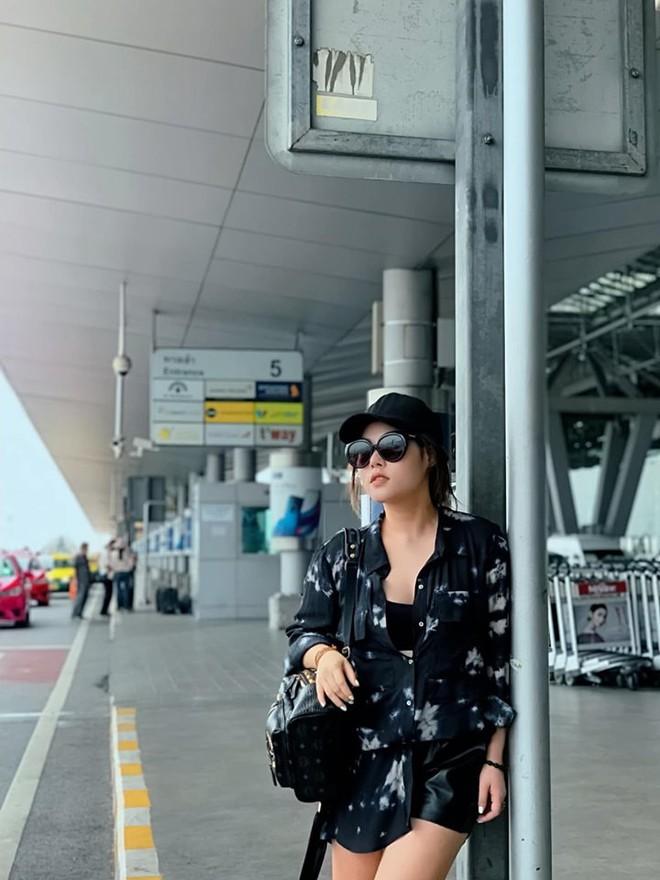 Xuất hiện thêm hội bạn thân siêu chất của showbiz Việt: Quy tụ toàn đại gia ngầm, nhan sắc nóng bỏng không phải dạng vừa đâu - Ảnh 12.
