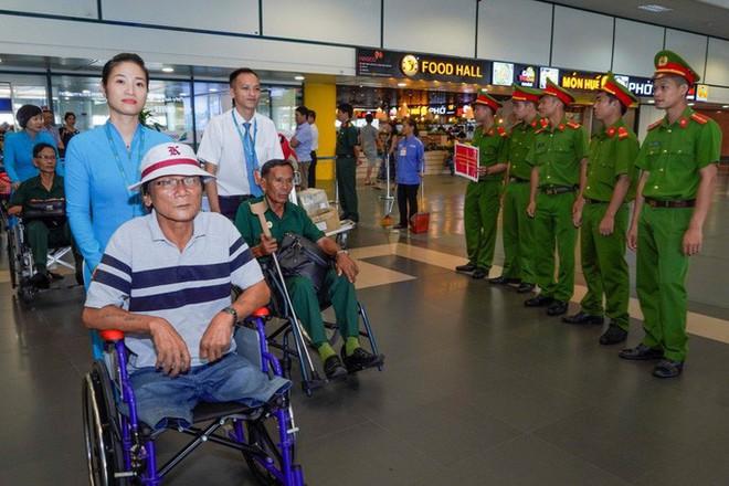 Hành trình đặc biệt tới Hà Nội của cựu tù Côn Đảo và thương binh chiến trường Campuchia - Ảnh 24.