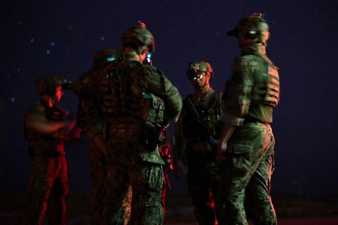 Bê bối mới của đặc nhiệm tinh nhuệ SEAL: Cả trung đội bị tống cổ về Mỹ vì lý do đặc biệt - Ảnh 1.