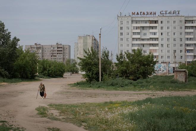 Người TQ đổ bộ mang theo lời nguyền, người Nga thảng thốt: Hủy diệt và nguy hiểm! - Ảnh 3.