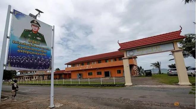 Campuchia đưa báo chí đi xem căn cứ quân sự bị tố cho Trung Quốc sử dụng - Ảnh 1.