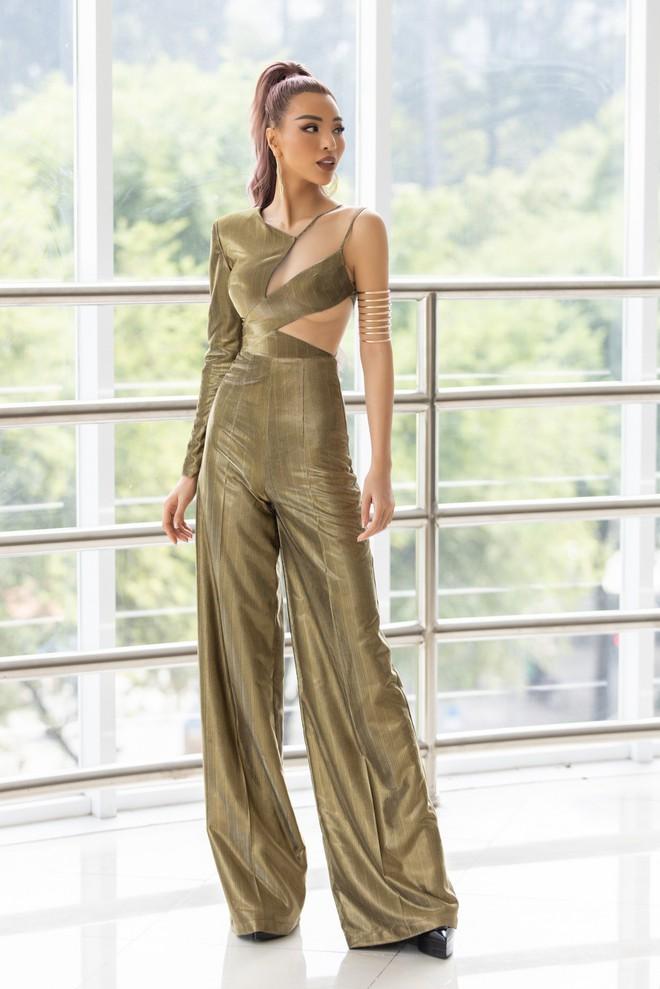 Mỹ nhân Việt quyến rũ nhất châu Á Khả Trang mặc gợi cảm - Ảnh 9.