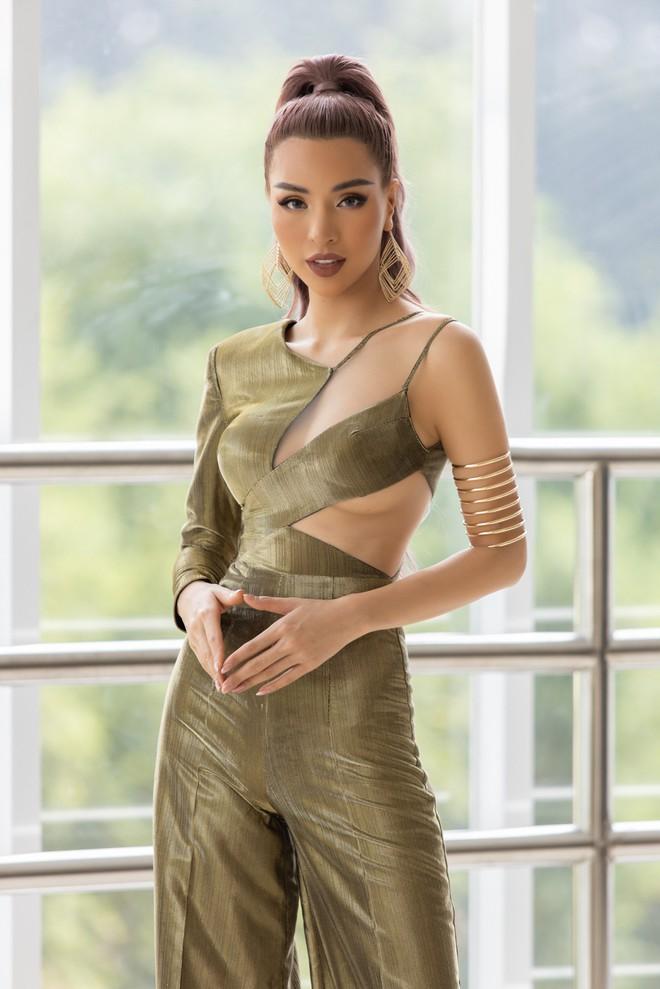 Mỹ nhân Việt quyến rũ nhất châu Á Khả Trang mặc gợi cảm - Ảnh 7.