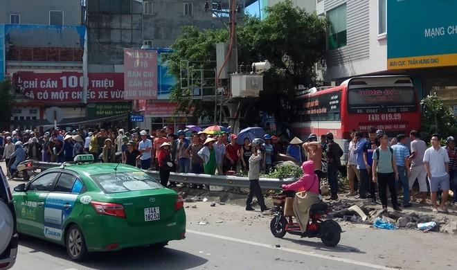 Cận cảnh hiện trường vụ tai nạn khiến 5 người thương vong ở Quảng Ninh - Ảnh 9.