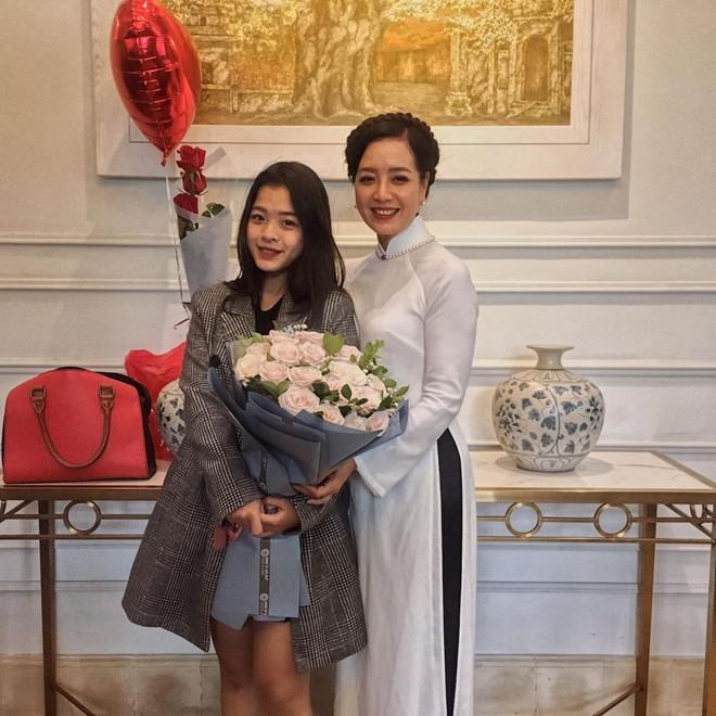 Điểm mặt hội ái nữ nhà sao Việt, con gái Quyền Linh được khen nức nở, dự đoán là Hoa hậu tương lai - Ảnh 19.