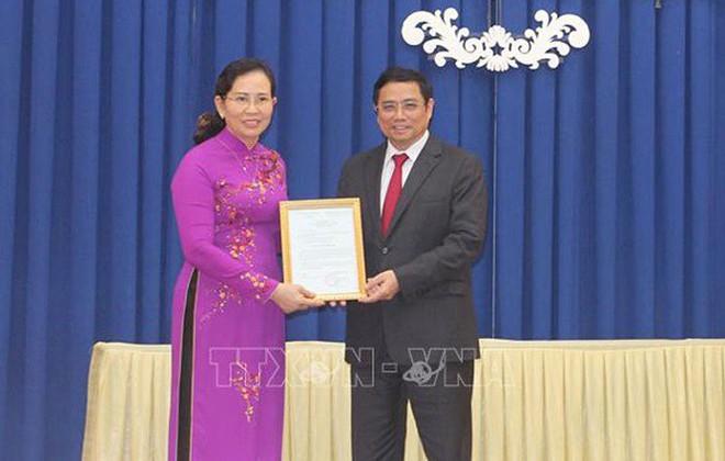 Công bố nhiều quyết định nhân sự ở Văn phòng Quốc hội và 2 tỉnh - Ảnh 3.