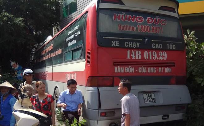 Cận cảnh hiện trường vụ tai nạn khiến 5 người thương vong ở Quảng Ninh - Ảnh 8.
