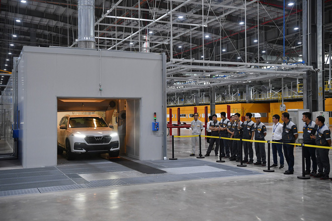 Toàn cảnh lễ bàn giao xe Lux A2.0 và SA2.0 tại trụ sở VinFast - Ảnh 8.