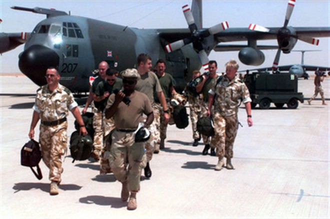Tại sao Mỹ chọn căn cứ không quân Hoàng tử Sultan để chuẩn bị tấn công Iran? - Ảnh 1.