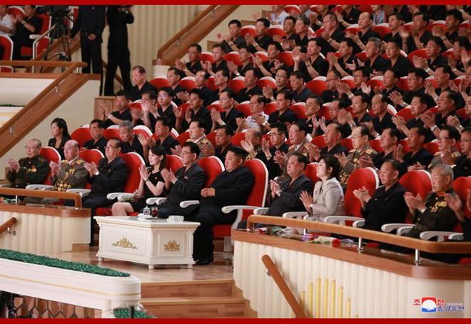 Sự ưu ái nổi bật của ông Kim và sự xuất hiện của người cha: Nữ tướng Triều Tiên nắm trọng trách đặc biệt? - Ảnh 1.