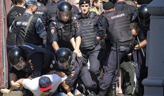 Nga: Hậu biểu tình lớn chống chính phủ, thủ lĩnh đối lập bất ngờ đổ bệnh lạ, nghi bị đầu độc - Ảnh 1.