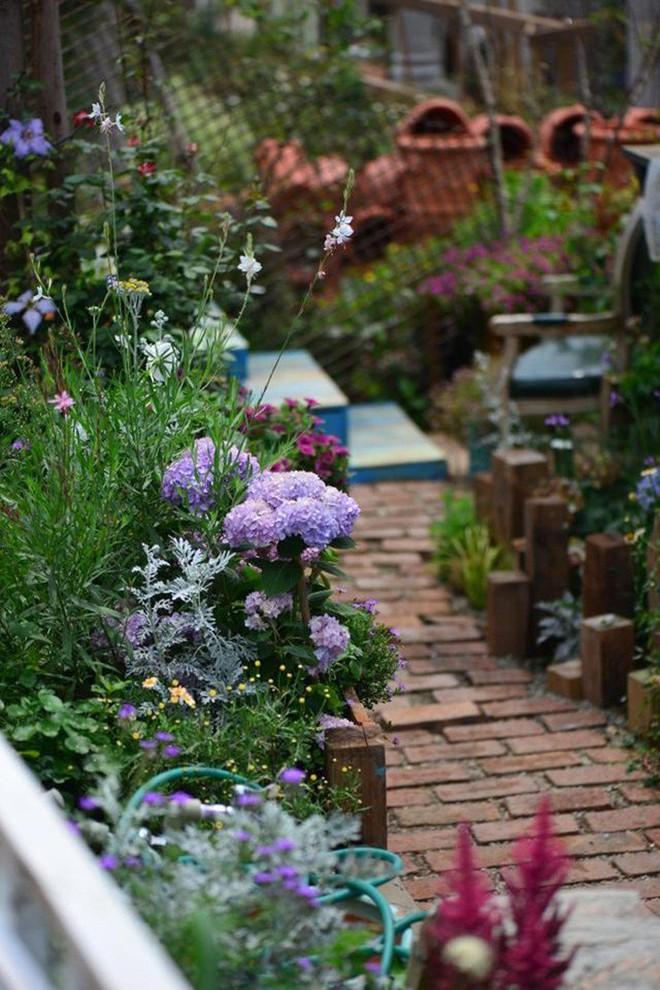 Chìm đắm trong khu vườn đẹp như mê cung nhờ bàn tay khéo léo của người đàn ông yêu thích làm vườn - Ảnh 28.