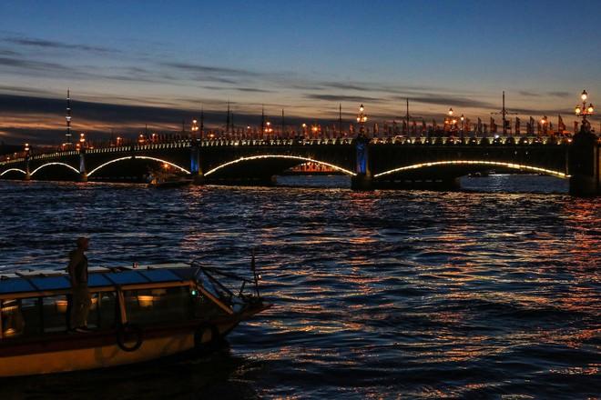 Chiêm ngưỡng 'đêm trắng' độc đáo ở nước Nga - ảnh 7