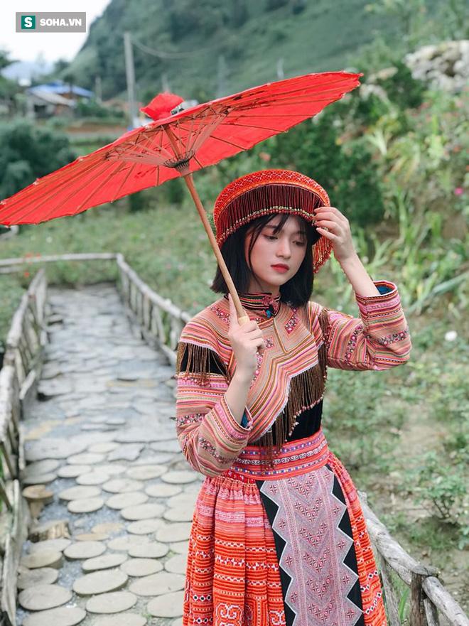 Xuất hiện chỉ 18 giây trong trang phục dân tộc, cô gái khiến dân mạng không ngừng tìm kiếm - Ảnh 2.