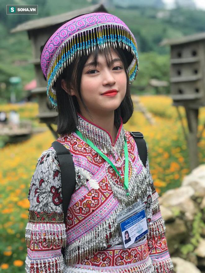 Xuất hiện chỉ 18 giây trong trang phục dân tộc, cô gái khiến dân mạng không ngừng tìm kiếm - Ảnh 3.