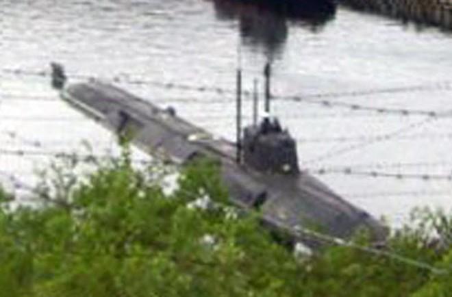 Thảm kịch đau buồn nhất của TT Putin tái hiện: Tàu ngầm tối mật Hải quân Nga bốc cháy - Ảnh 1.