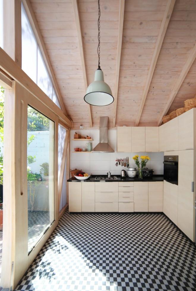 Chiêm ngưỡng căn bếp nhỏ gọn, tiện nghi chỉ cần nhìn thôi cũng đã thấy mê mẩn rồi - Ảnh 8.