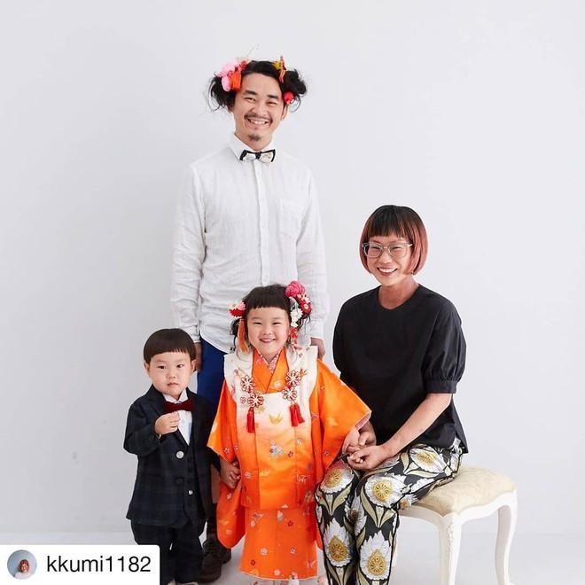 Cha con nhà người ta: Ông bố nuôi tóc đằng đẵng 2 năm trời để chụp một kiểu ảnh với con gái cho tông xuyệt tông - Ảnh 2.