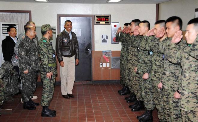 Điểm khác biệt giữa TT Trump và các Tổng thống Mỹ tiền nhiệm khi đến thăm DMZ là gì? - Ảnh 6.