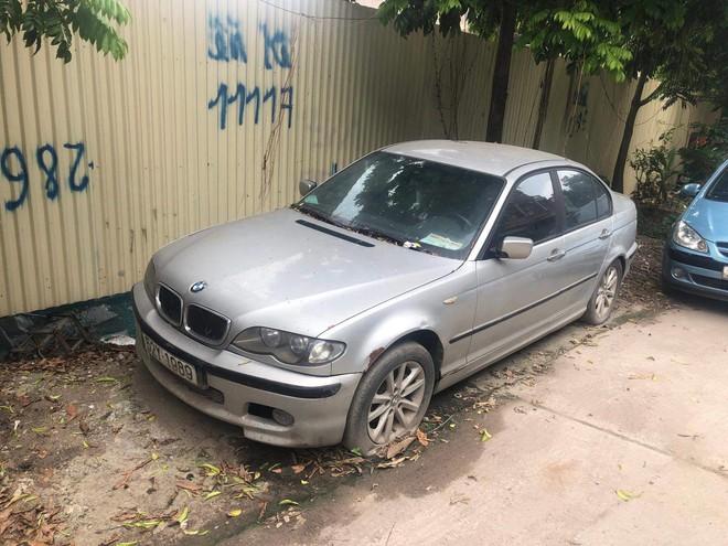 Chiếc BMW nằm chỏng chơ trên đường Đại Mỗ - Hà Nội từ trước Tết, không ai đến lấy - Ảnh 5.